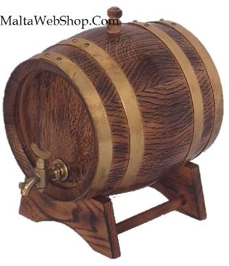 Small oak wood whiskey kegs, Malta
